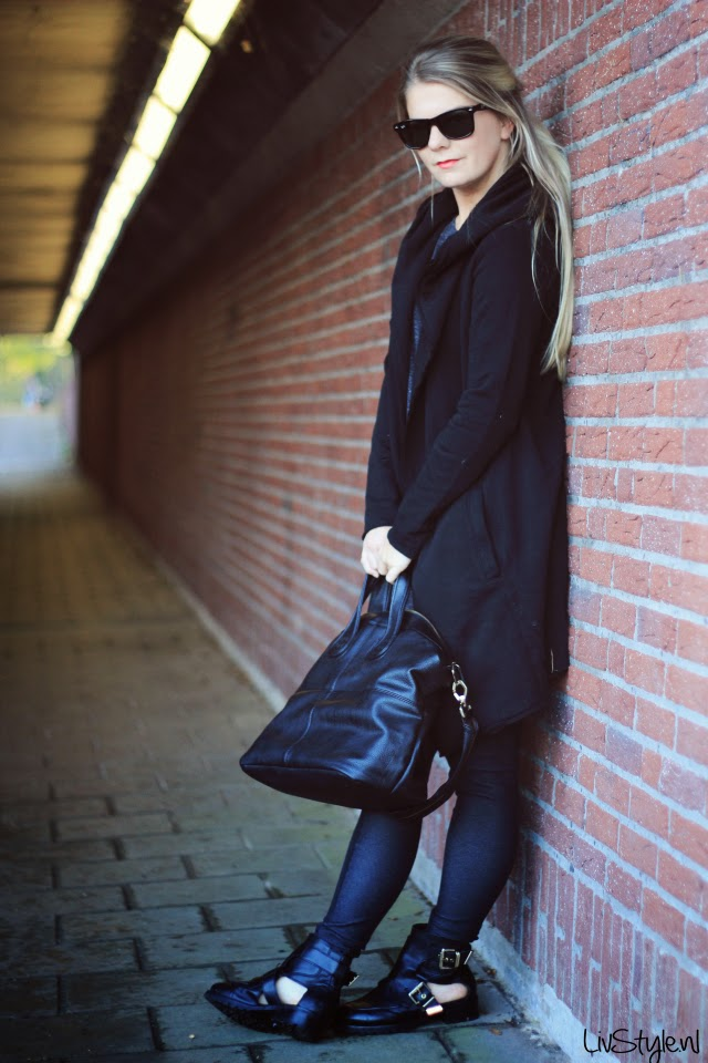 cut out boots all black outfit dutch fashion blog