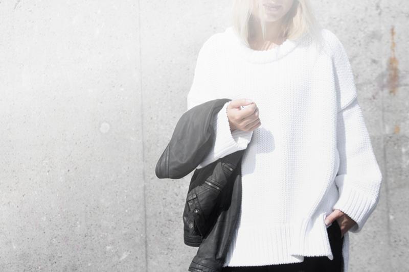 oversized-white-knit_leather-jacket_zara_fashion-photography_outfit-blog