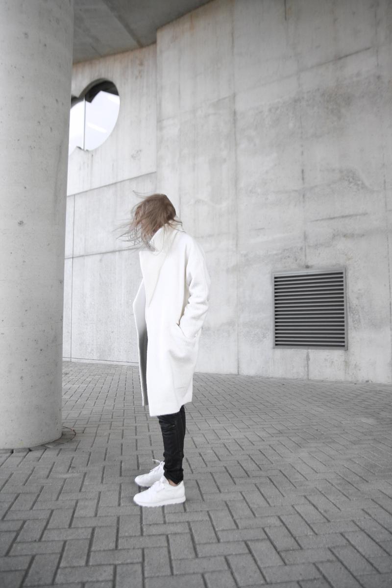 asos-slouchy-coat-white_minimalism-fashion_Tao-of-Sophia