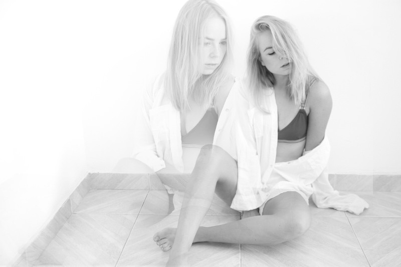 bralette-foxsie_classic-blouse_black-and-white-photography_Tao-of-Sophia2