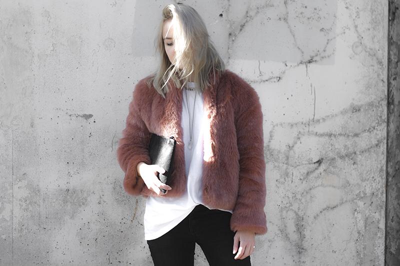 haati-chai-crystal-rock-necklace_raku-collection-clutch_pink-coat