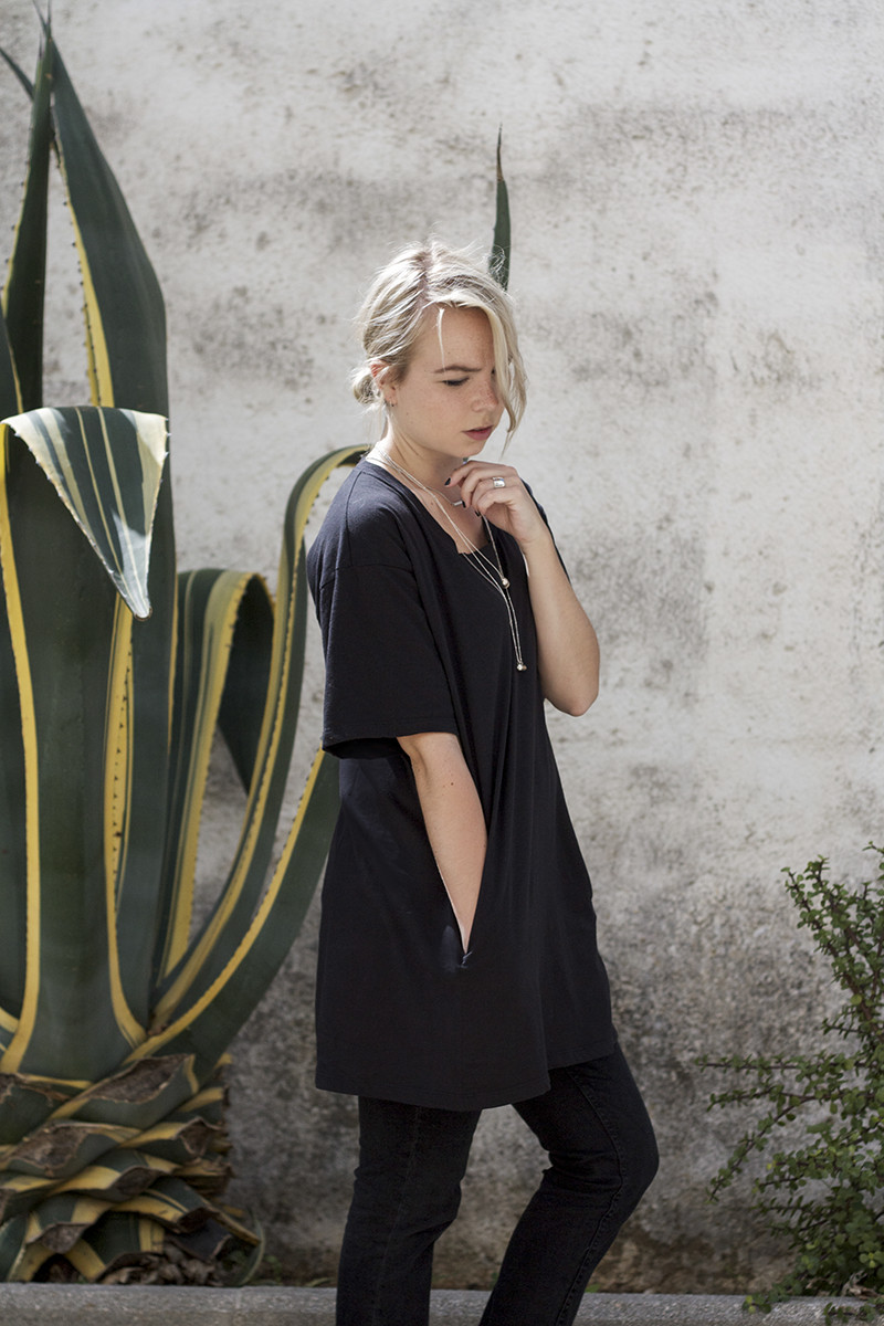 ceoyms-dress_all-black-outfit_green-plants-cactus(2)
