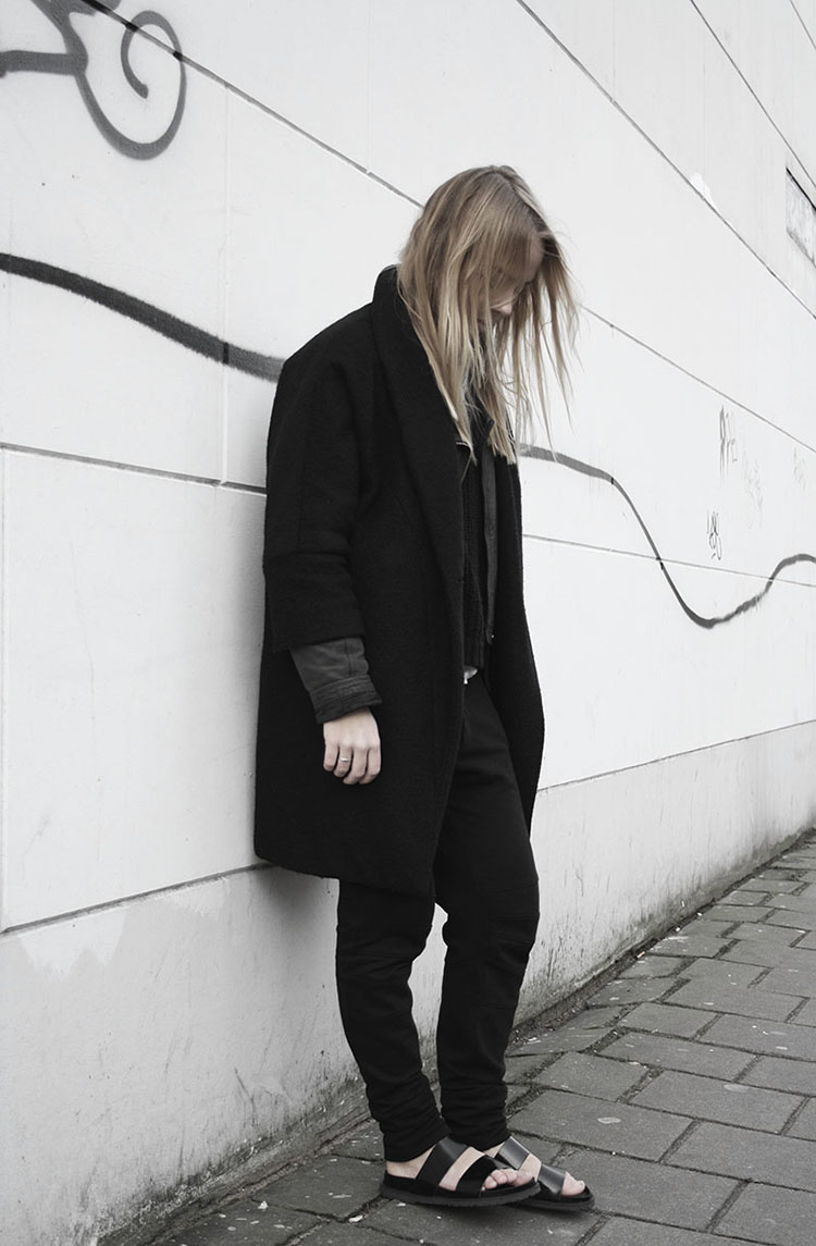 all black everything zara slides jogging pants