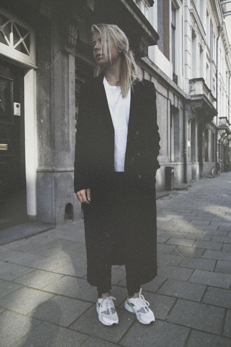 hm-long-line-coat_nike-haraucha_fashion-blog