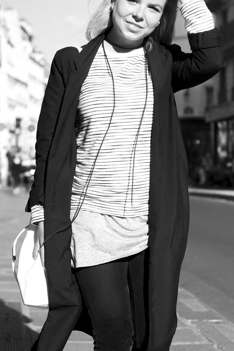 white bucket bag striped sweater paris le marais streetstyle