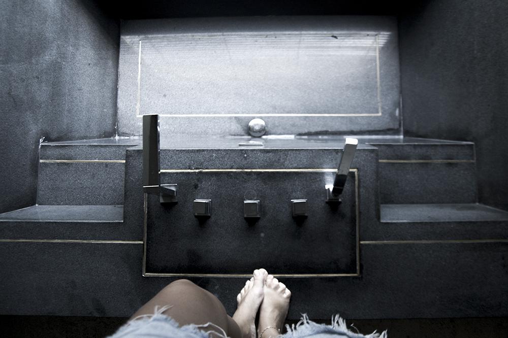 sunken bathtube black bathroom interior luxe bath fusion maia