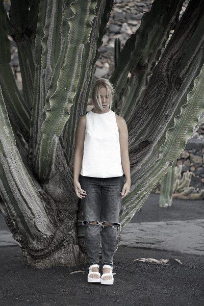 jardin de cactus lanzarote teva platform white hyphen leather top distressed boyfriend denim