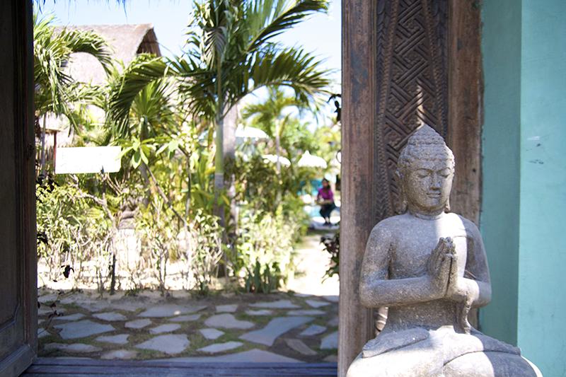 tigerlillys boutique hotel nusa lembongan bali paradise buddha