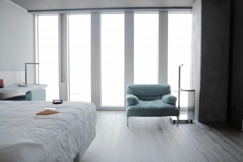 nhow-rotterdam_sunset-room(4)