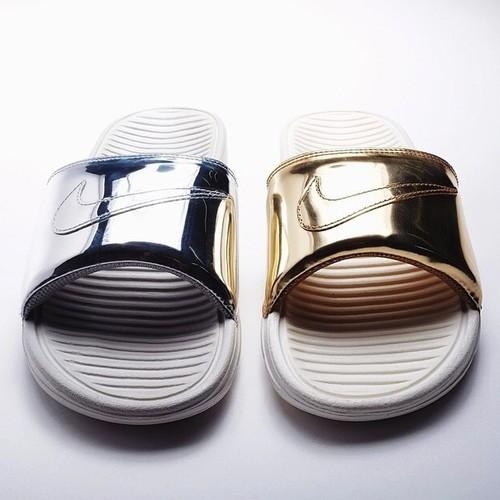 c663f509d145 Nike Benassi Slides Liquid Metal - Blog and The City